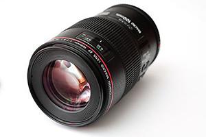 Canon 100mm F2.8L Macro Lens